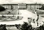 Wien - Schönbrunn, Schloß und Blumenparterre