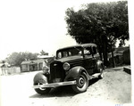 Serra Car Club: Photograph of a 1934 Chrysler