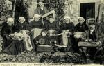 Auvergne - Groupe de Dentellieres d'Auvergne