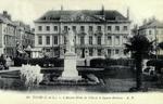 Tours - L'Ancien Hôtel de Ville et le Square Rabelais