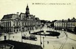 Tours - L'Hôtel de Ville et la Place