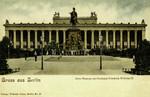 Berlin – Altes Museum mit Denkmal Friedrich Wilhelm III