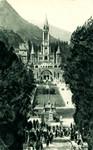 Lourdes - La Basilique et l'Esplanade des Processions