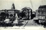 Avignon - La Place de l'Hôtel-de-Ville